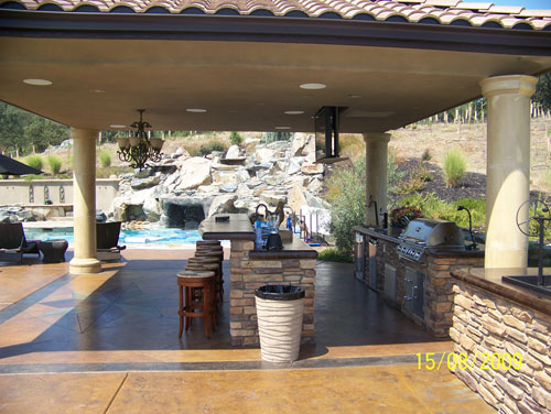 Custom outdoor kitchens berkeley ca from simple to luxury for Luxury outdoor kitchen